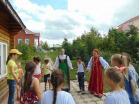 Фольклорный праздник Яблочный спас прошел на территории Дома музея семьи Аксаковых.