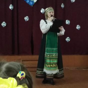На праздничном мероприятии посвященного Дню Матери звучали песни, стихи о матери